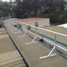 Aluminium Handrail for roof safety - Universal Height Safety