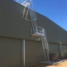 Aluminium Caged Ladder for Safe Roof Access