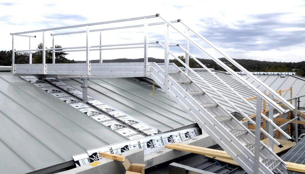 slider-4-aluminium-stairs-with-handrails-universal-height-safety